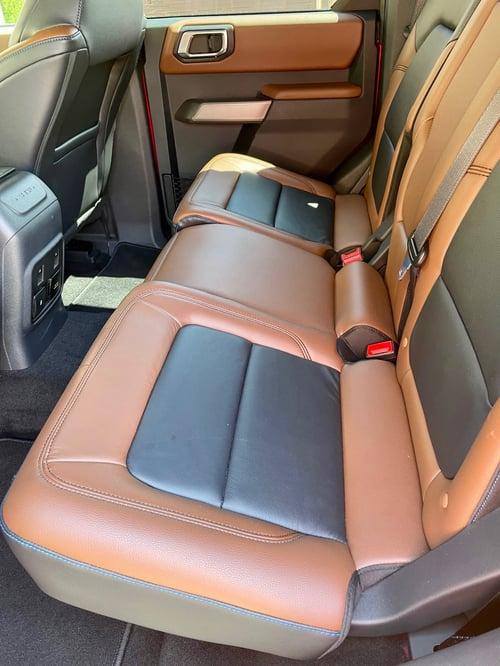 2021-Ford-Bronco-outer-banks-back-seat-carprousa.pg