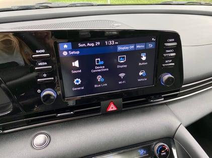 2021-Hyundai-elantra-nline-multimedia-8-carprousa