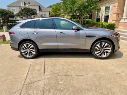 2021-Jaguar-Fpace-profile-carprousa