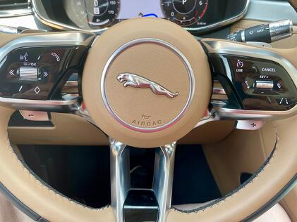 2021-Jaguar-Fpace-steering-wheel-carprousa