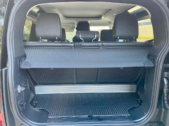2021-Land-Rover-Defender-p90-First-Edition-cargo-carprousa.