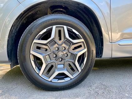 2021-hyundai-santa-fe-calligrpahy-wheels-carprousa