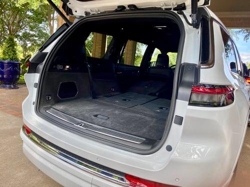 2021-jeep-grand-cherokee-l-cargo1-area
