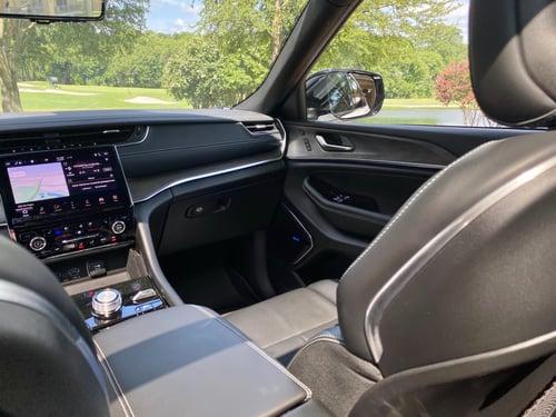 2021-jeep-grand-chreokee-cabin-wide