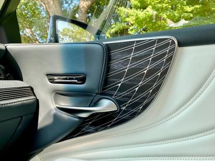 2021-lexus-ls-500-door-panel-day-carprousa