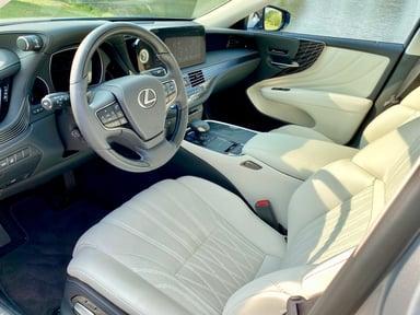2021-lexus-ls-500-interior