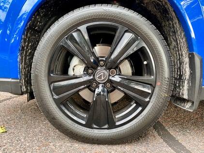 2021-lexus-ux2500-black-line-wheel-carprousa