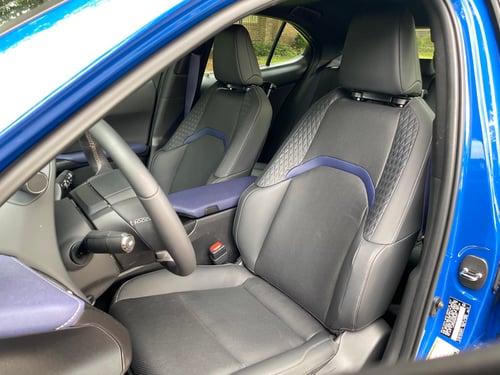 2021-lexus-ux250h-black-line-seats-carprousa