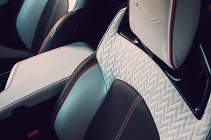 2022-Cadillac-CT5-V-Blackwing-white-interior-credit-cadillacjpg