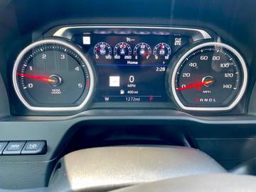 2022-Chevrolet-silverado-2500hd-instrument-display-carprousa.