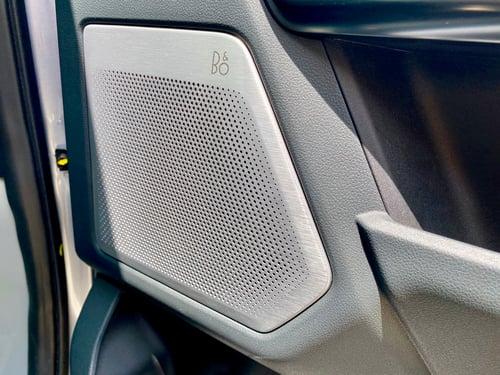 2022-Ford-Lightning-b0-radio-speaker-carprousa