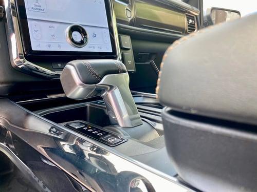 2022-Ford-Lightning-gear-shifter-carprousa