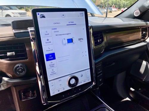2022-Ford-Lightning-touchscreen-carprousa