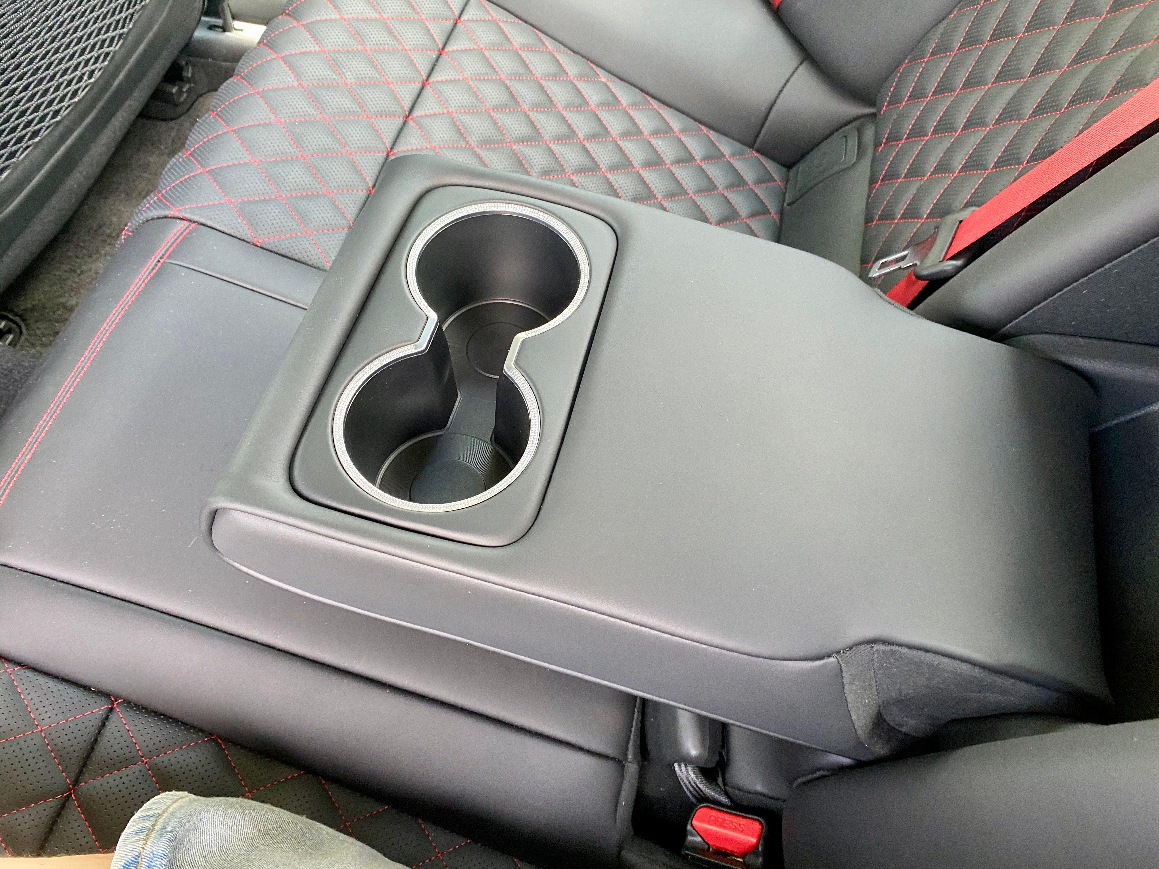 2022-Genesis-g70-cupholders-carprousa