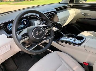 2022-Hyundai-Tucson-Interior-1-carprousa
