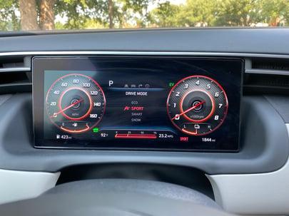 2022-Hyundai-Tucson-digital-display-carprousa.