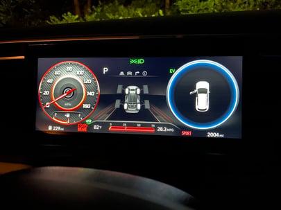 2022-Hyundai-Tucson-digital-gauge-night-carprousa.