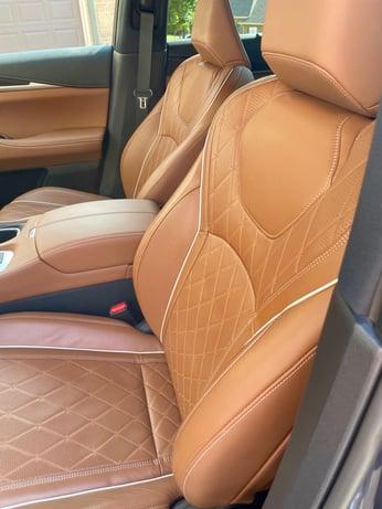2022-INFINITI-QX60-vertical seats-1-carprousa.jpg
