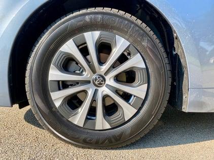 2022-corolla-le-hybrid-wheel-carprousa