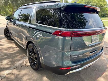 2022-kia-carnival-sv-prestige-exterior-rear-quarter-panel-carprousa