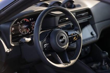 2023-Nissan-Z-steering-wheel-1