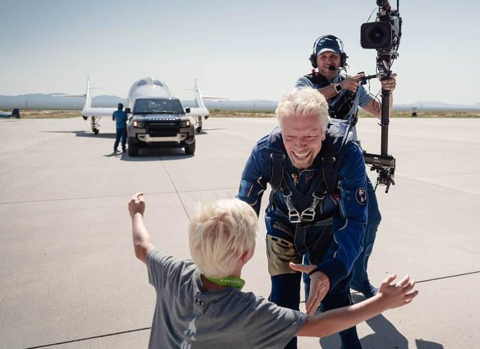 LR-Virgin-Galactic-Branson-credit-land-rover