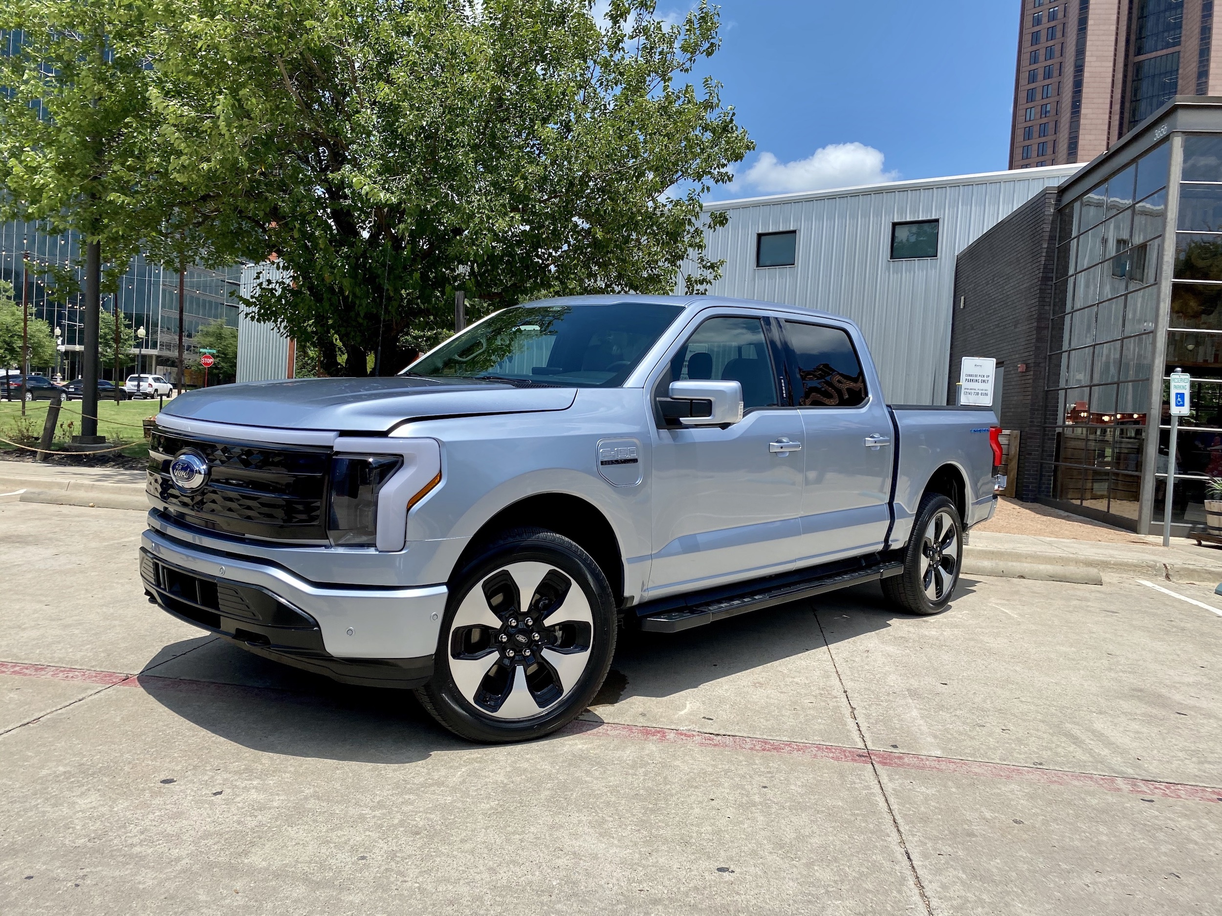 All-Electric 2022 Ford F-150 Lighting Makes Texas Debut