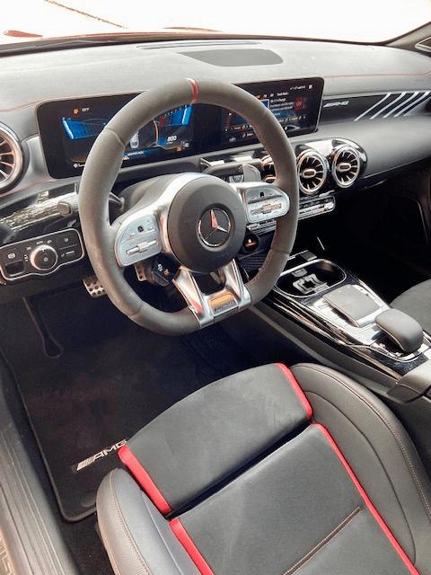 Mercedes-AMG CLA 35 Interior