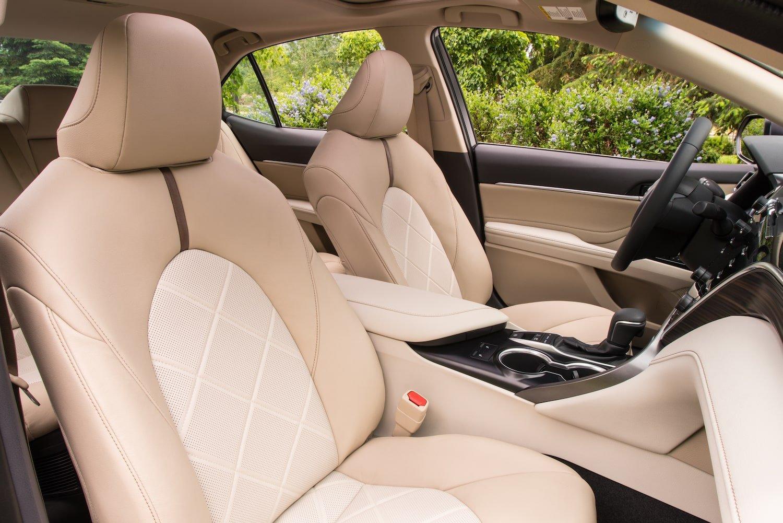2020 Toyota Camry XLE Hybrid interior