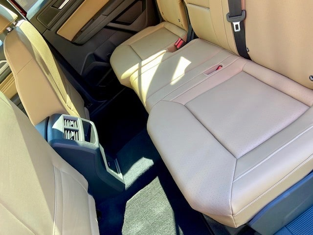 2020 Volkswagen Atlas Cross Sport interior