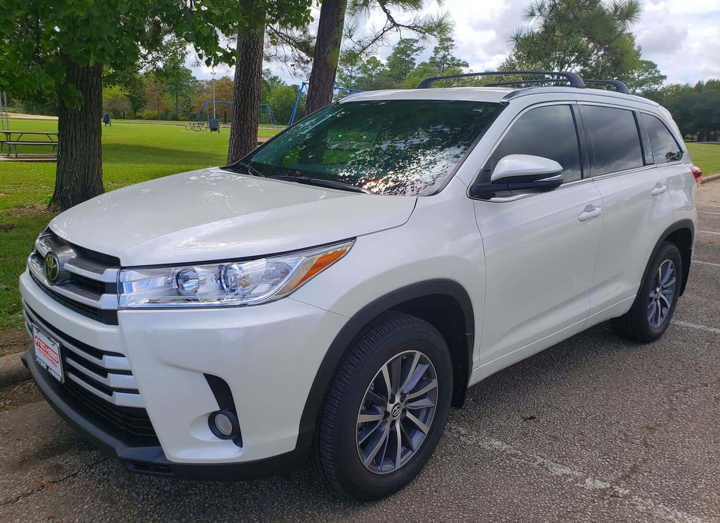 2018 Toyota Highlander XLE Packs A Lot of Cargo and Passengers Photo Gallery