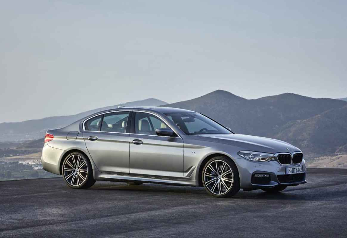 2017 BMW 530i Test Drive and Review Photo Gallery
