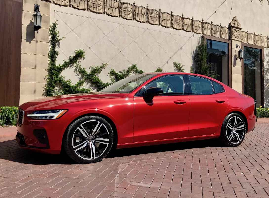 2019 Volvo S60 AWD R-Design Review Photo Gallery