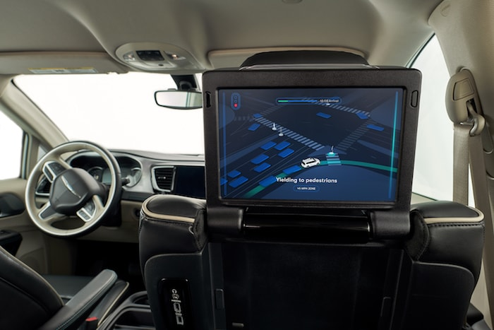 2019 Chrysler Pacifica Limited Hybrid Review Photo Gallery